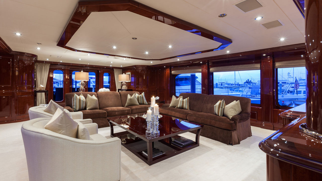 49m Christensen Luxury Yachtfoto 2