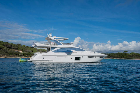Azimut 74 with Fly Luxury Yacht!