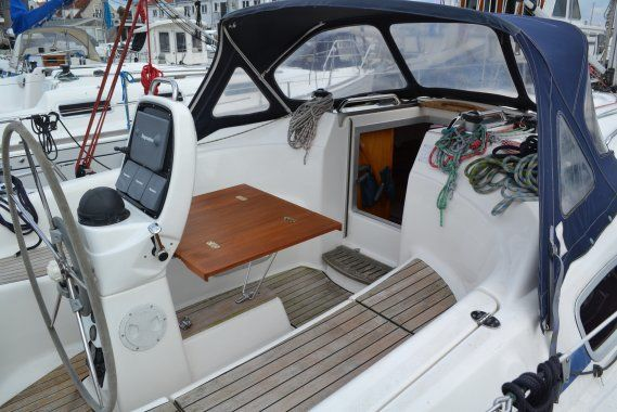 Bavaria 30 Cruiser - picture 2