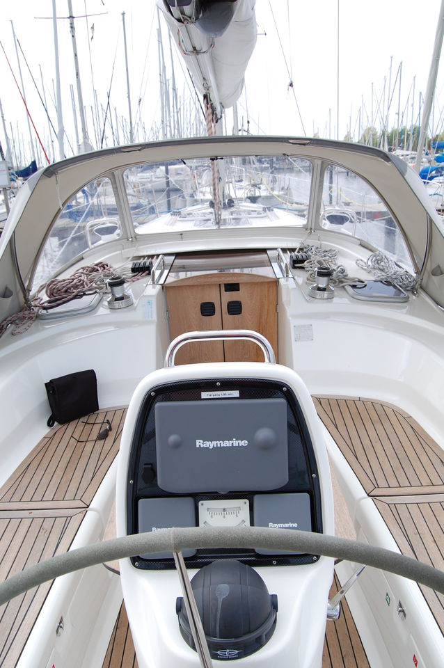 Bavaria 38 Cruiser - picture 3