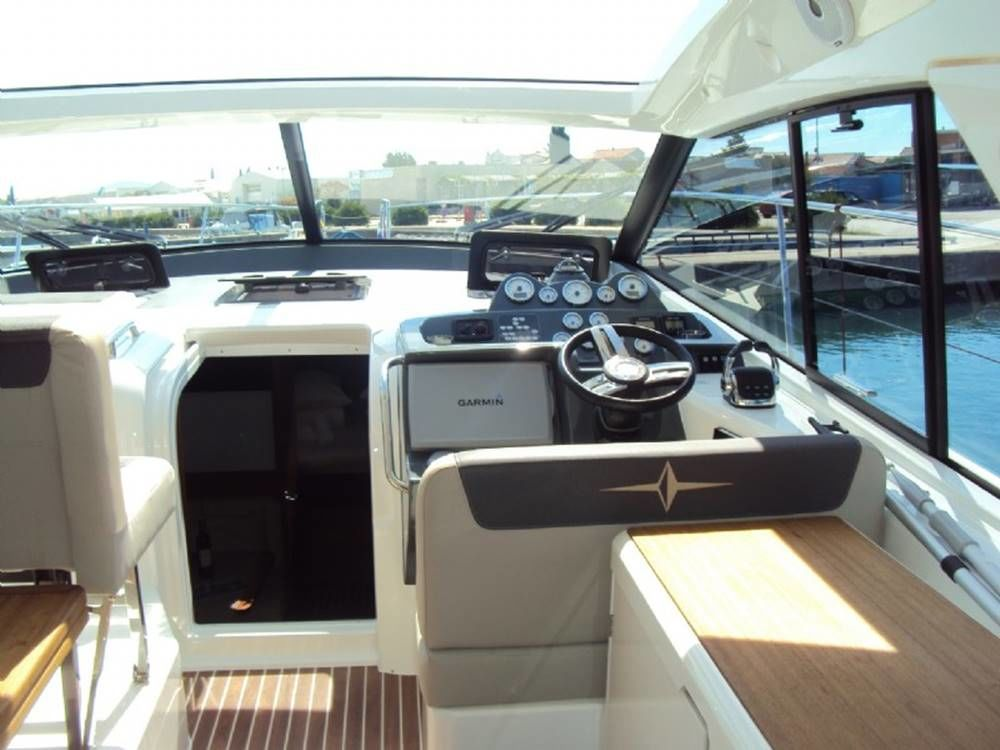 Bavaria 400 Coupe - picture 2