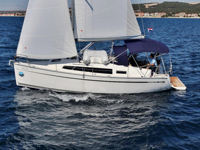 Bavaria C 34 - picture 1