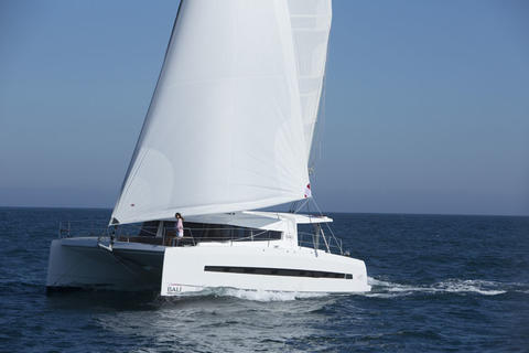 Catana Bali 4.5 mit Flybridge