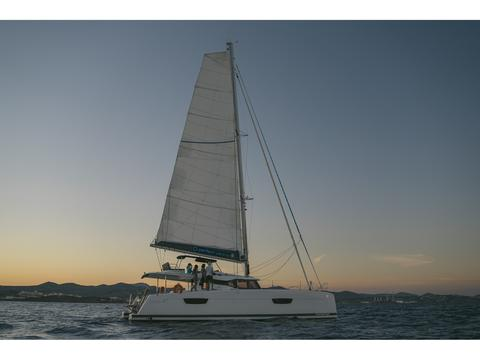 Fountaine Pajot 47 SAONA(GEN,AC,WATERMAKER)