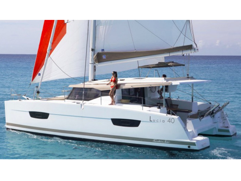 Fountaine Pajot Lucia 40 - image 1