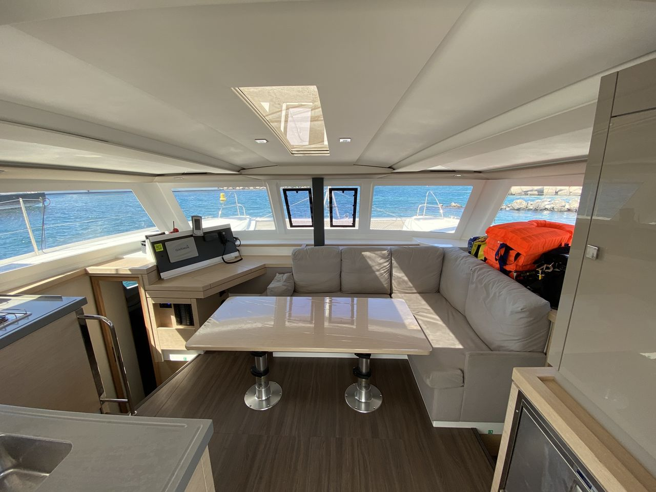 Fountaine Pajot Lucia 40 - picture 2