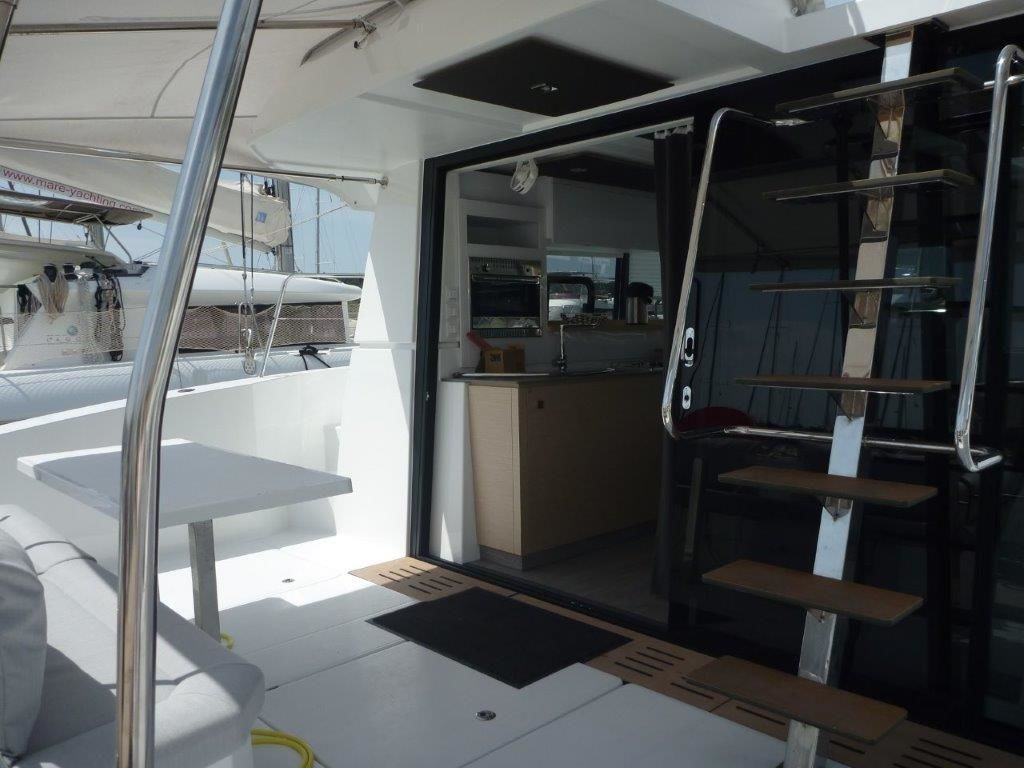 Fountaine Pajot MY 37 - picture 2