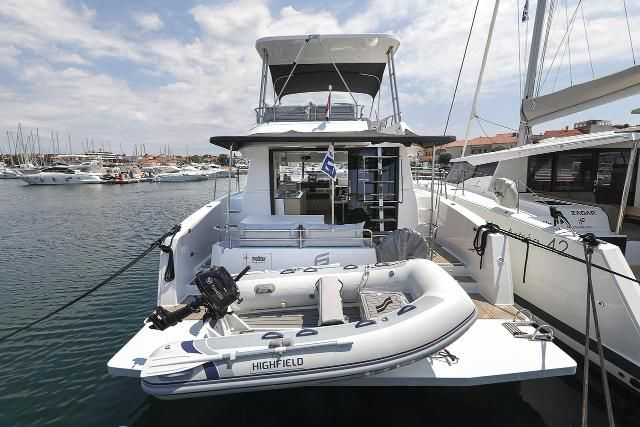 Fountaine Pajot MY 37 - Bild 1