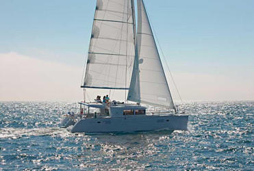 Lagoon 450 Sportop with A/C