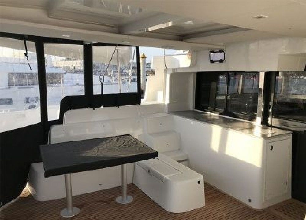 Lagoon 46 with top Features - Bild 3