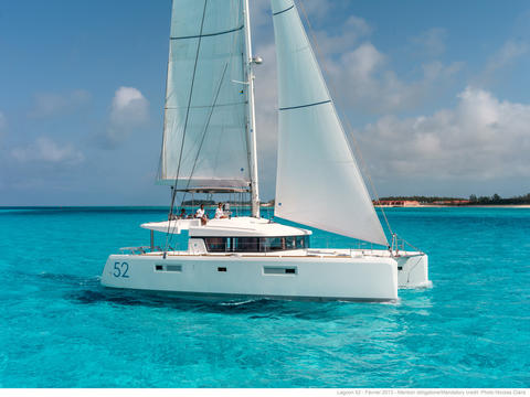 Lagoon 52 with Watermaker, A/C