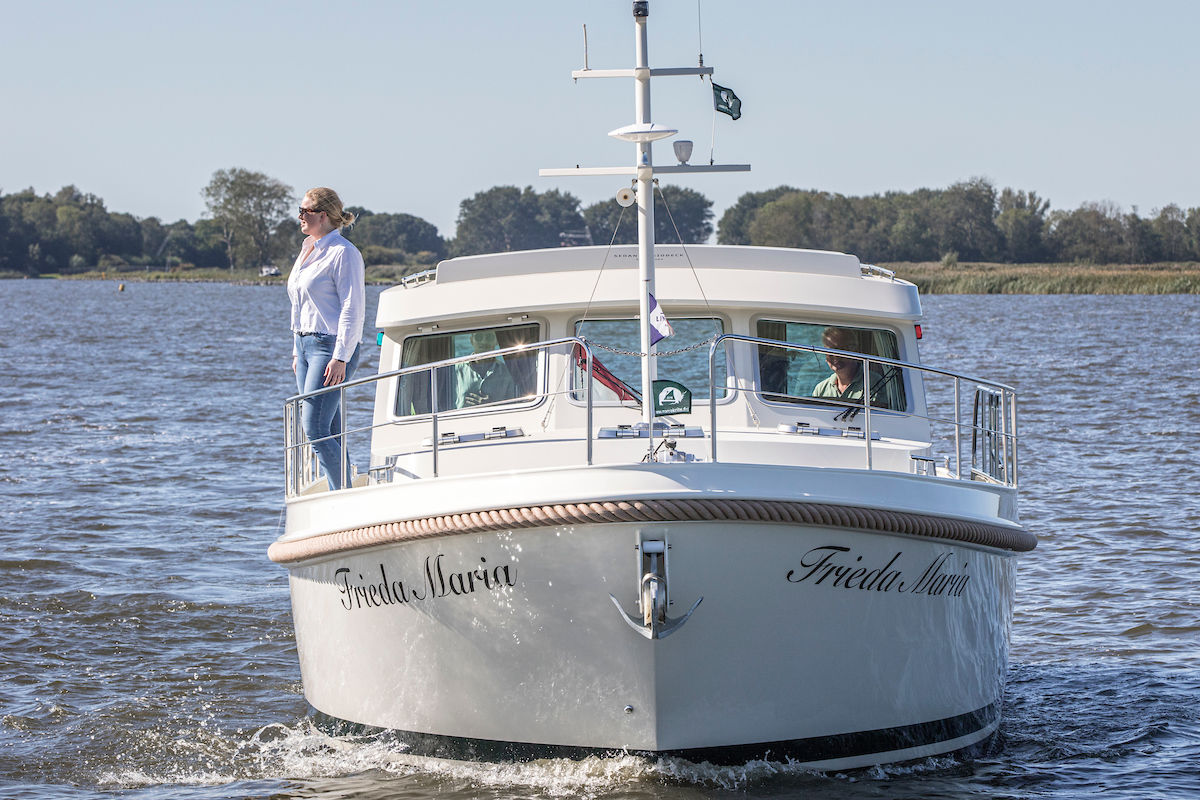 Linssen Grand Sturdy 40.0 Sedanimage 2