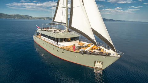 Luxury Motorsailer 33 m