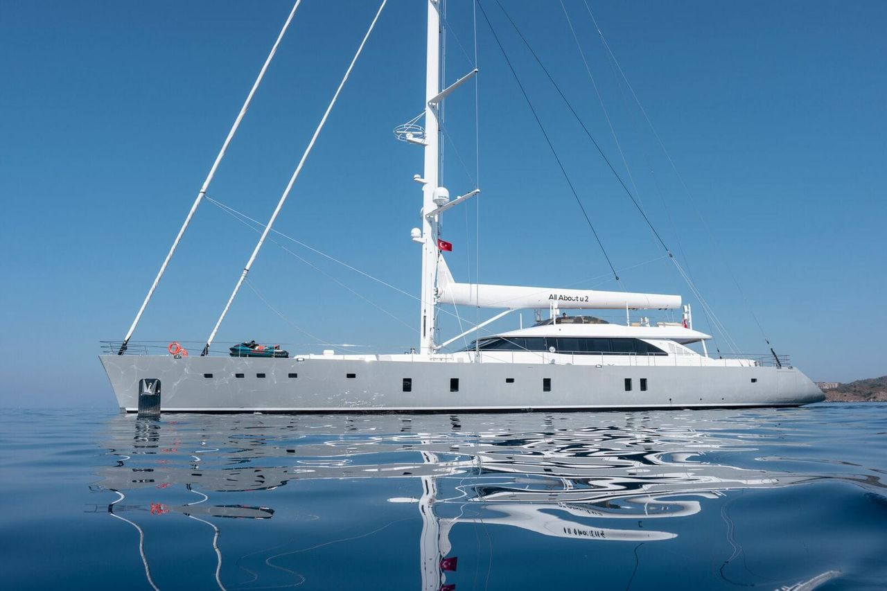 Luxury Motorsailer 50 m