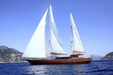 Luxury Motorsailor 38 m