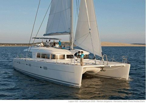 NEW Crew Catamaran Lagoon 620