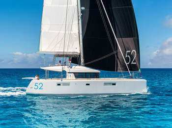 NEW Lagoon 52 F Crewyacht
