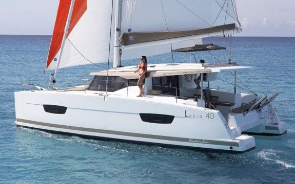 NEW Lucia 40 with Watermaker!!