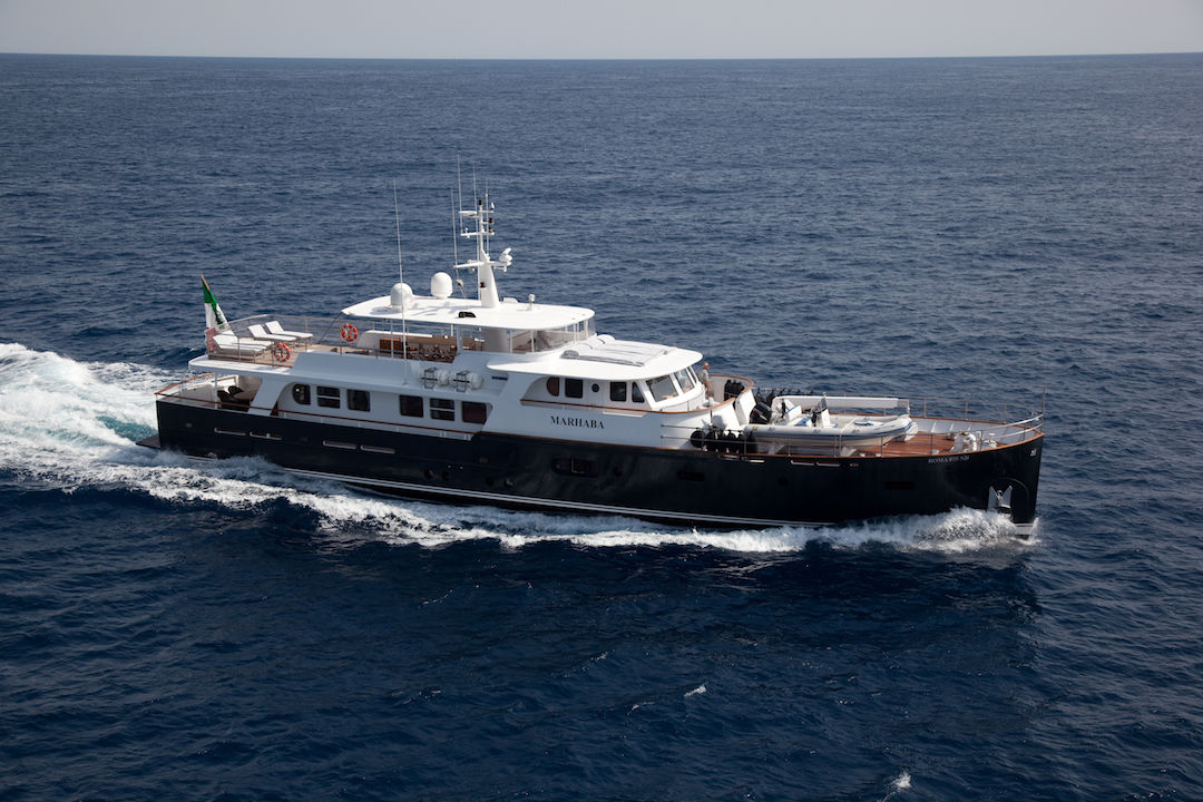 Ocea Customs 108'