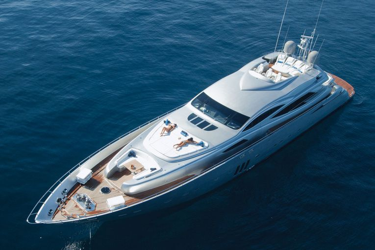 Pershing 115' - picture 1