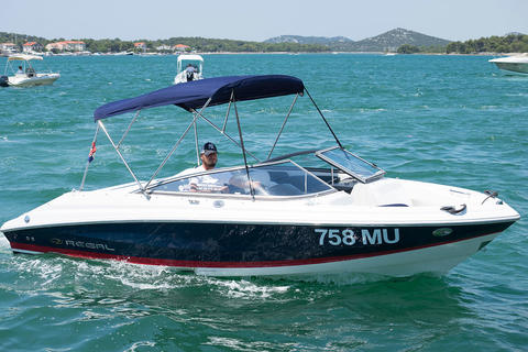 Regal boats for rent - with Happycharter
