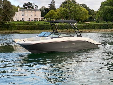 Sea Ray 210 SPXE Wakeedition