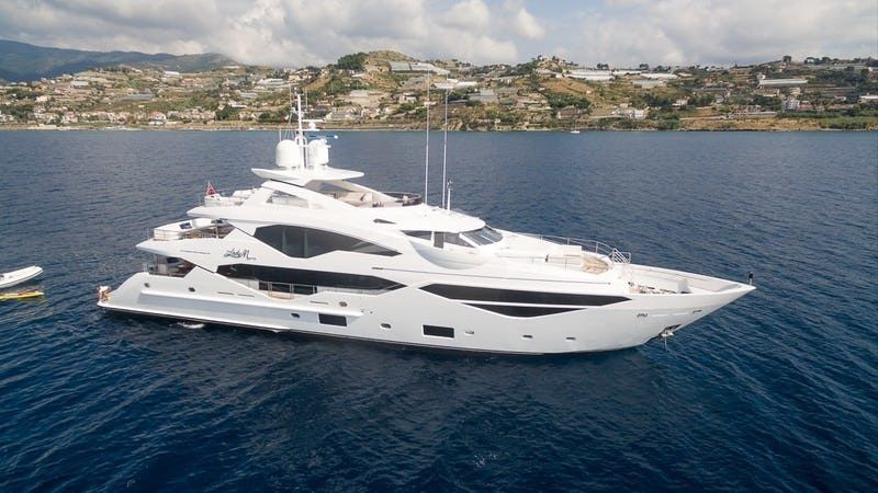 Sunseeker 131 Luxury Yacht - fotka 2