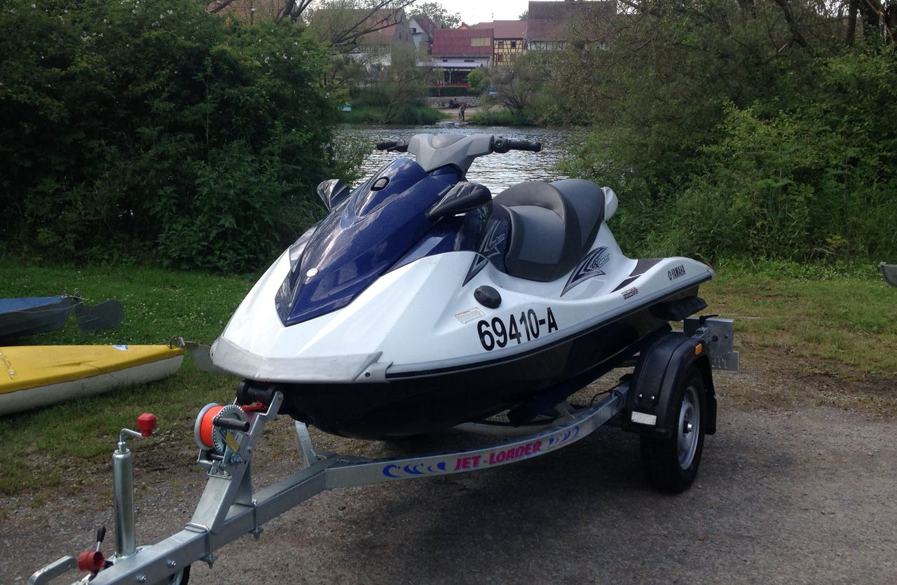 yamaha waverunner vx 110 for rent on trailer on trailer